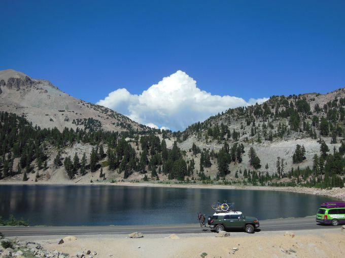 夏の間だけ顔を見せる、ピュアな湖