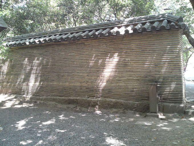 織田信長が寄進した「信長塀」 当時のまま現存しています!