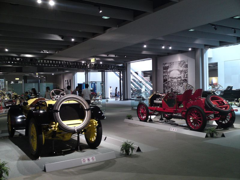 車好きにはたまらない!トヨタ博物館でクラシックカーや往年の名車に再会!