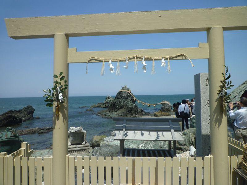 「伊勢神宮」の正式参拝は、二見浦の「二見興玉神社」から!