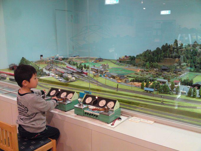 マスコンを使ってNゲージの鉄道模型の運転体験♪