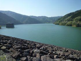 ダム好き必見!中部地方を代表する「岩屋ダム」と「牧尾ダム」を巡る旅で人気のダムカードもゲット!|岐阜県|トラベルjp<たびねす>