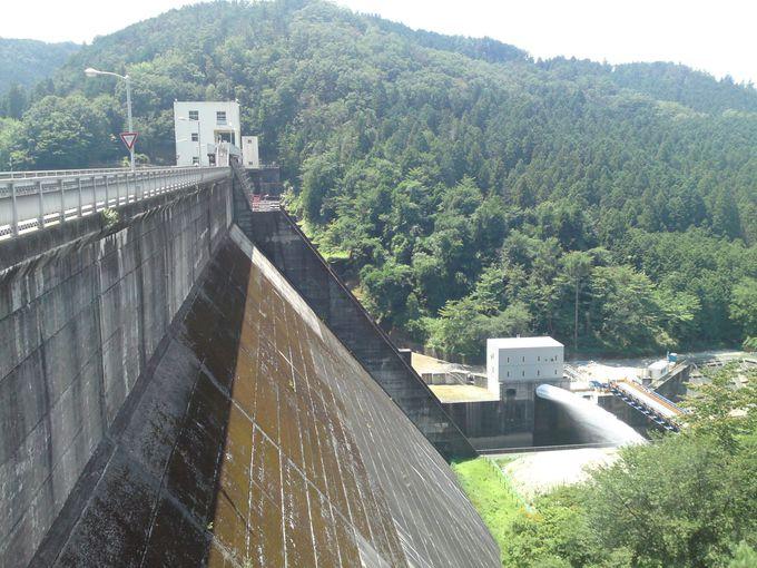 「三河湖」はこちらの「羽布ダム」によって堰き止められて作られた人造湖です♪
