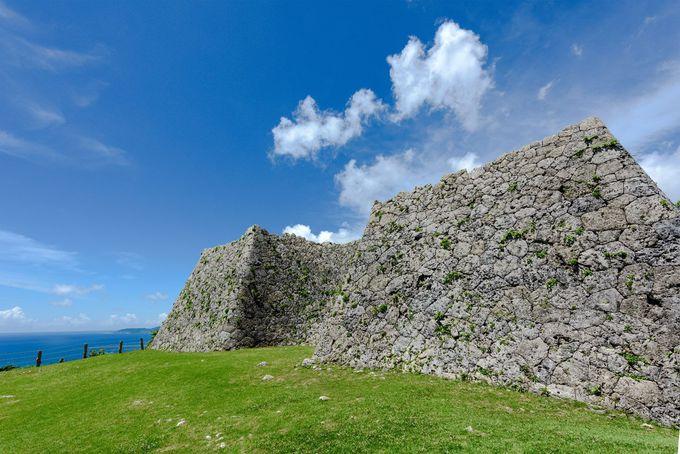 護佐丸が増築した新城、三の郭城壁の美しい「相方積み」