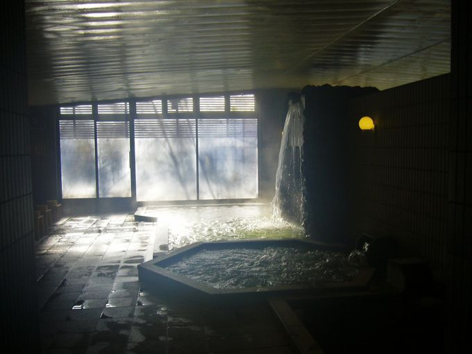 男女の縁を取り持つ露天のお見合い風呂「中尾山温泉 松仙閣」