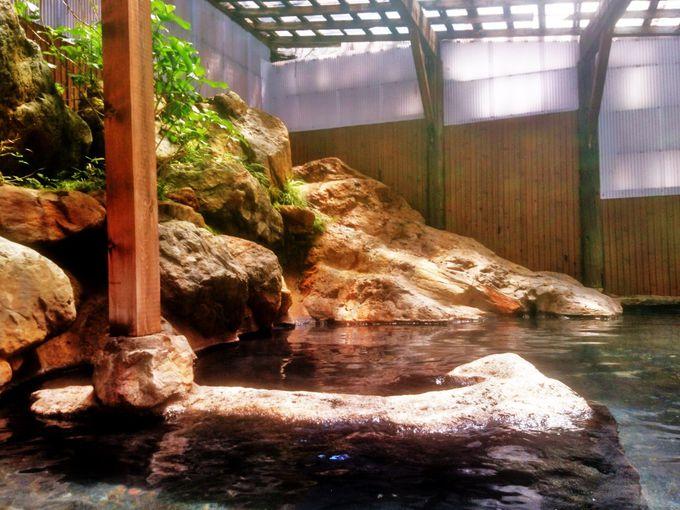 100%源泉かけ流しの大混浴露天風呂「松川渓谷温泉 滝の湯」