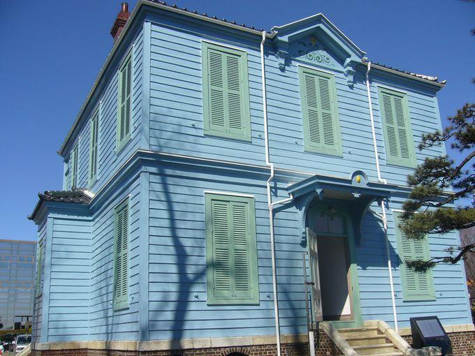 アーリーアメリカン調の県内最古の洋風司祭館