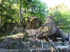 太古の不思議なパワーを感じる!岐阜県下呂市「金山巨石群」|岐阜県|トラベルjp<たびねす>