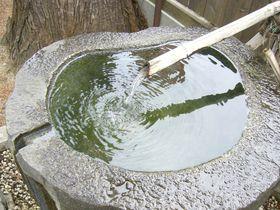 信州「信濃大町」男清水と女清水を合わせて飲むと縁結び!?|長野県|トラベルjp<たびねす>