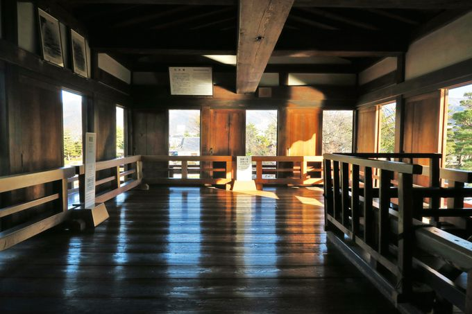 泰平の世になってから増築された月見櫓と辰巳附櫓