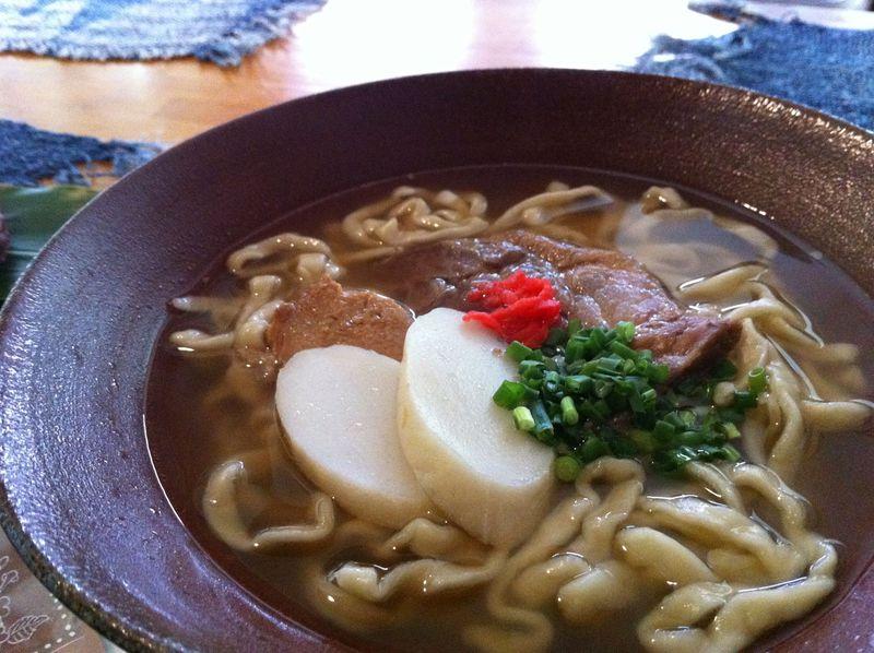 首里で沖縄の味を満喫!泡盛「瑞泉」試飲と絶品沖縄そば「てんtoてん」