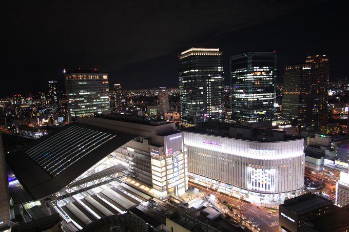 阪急32番街からは大阪駅の特徴的な屋根を