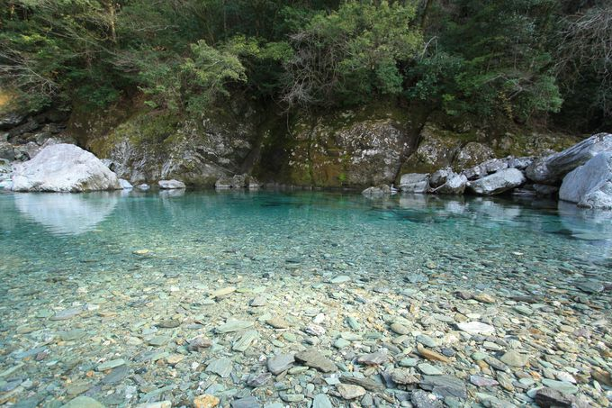 仁淀ブルーは奇跡の青さ!メディアで話題の美しすぎる清流「仁淀川」(高知)