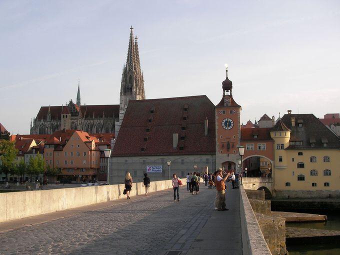 ドナウ川に架かる石橋はドイツ最古のもの