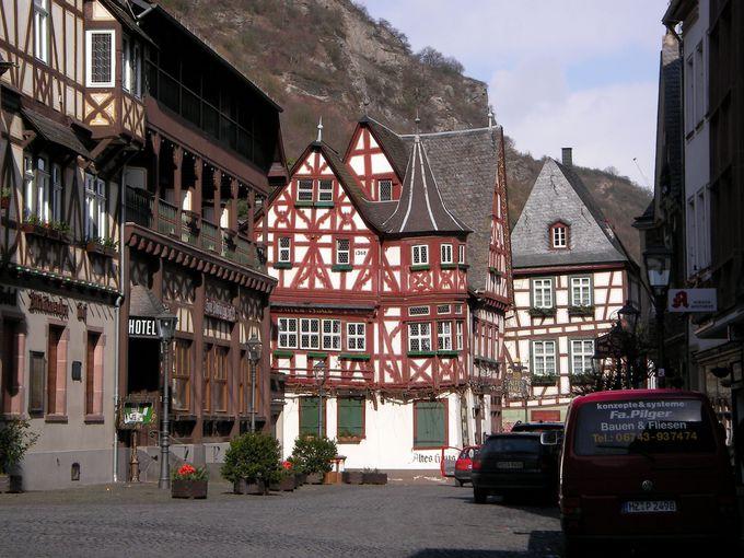 バッハラッハはドイツらしい木組みの家が並ぶ町