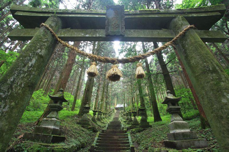 異世界への入り口?上色見熊野座神社は阿蘇の名パワースポット