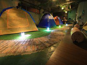 屋内でキャンプ体験!?山口のゲストハウス「レスト防府ジャンクション」|山口県|トラベルjp<たびねす>