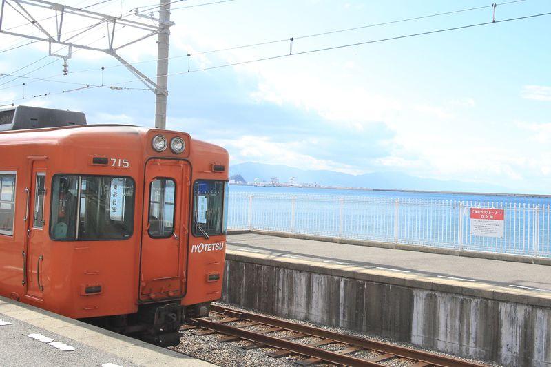 カンチ、聖地訪問しよ!愛媛の絶景駅「梅津寺駅」はあの超有名ドラマのロケ地