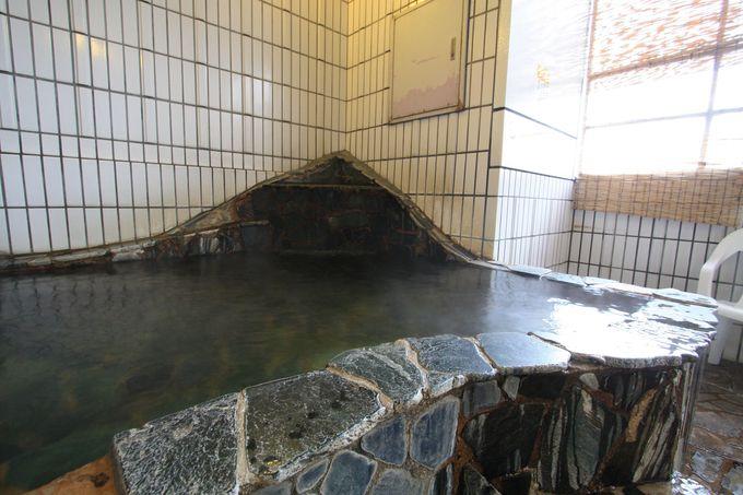 大浴場は嬉しい天然温泉