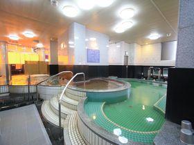 なんば駅から徒歩圏内のカプセルホテル!「天然温泉スパディオ」で癒しタイムを|大阪府|トラベルjp<たびねす>