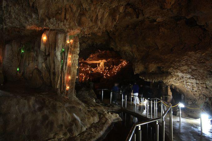 全国的にも珍しい洞内イルミネーション
