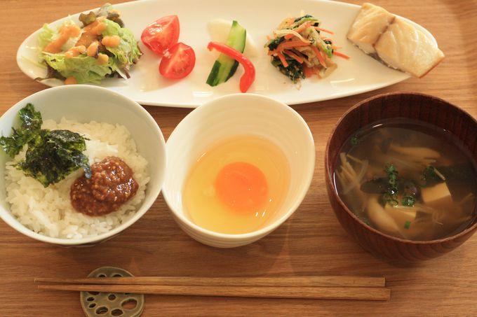 福岡のゲストハウス「SEN&CO.HOSTEL」で体と心に染みる朝食を