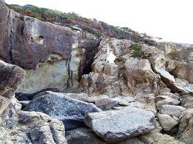 長崎・上五島の聖地「キリシタンワンド」「ハリのメンド」を見ずしてキリシタン史跡は語れない|長崎県|トラベルjp<たびねす>
