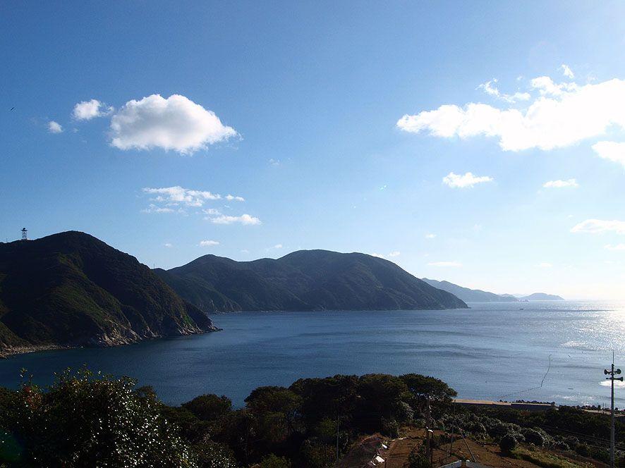 「中通島」には3つの大きな港があり、長崎、佐世保、福岡からも訪れることができます