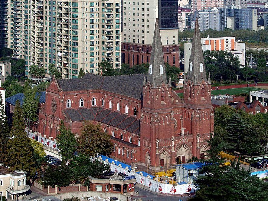 極東一のカトリック聖堂と称された「徐家匯(シュジャフイ)天主教堂」