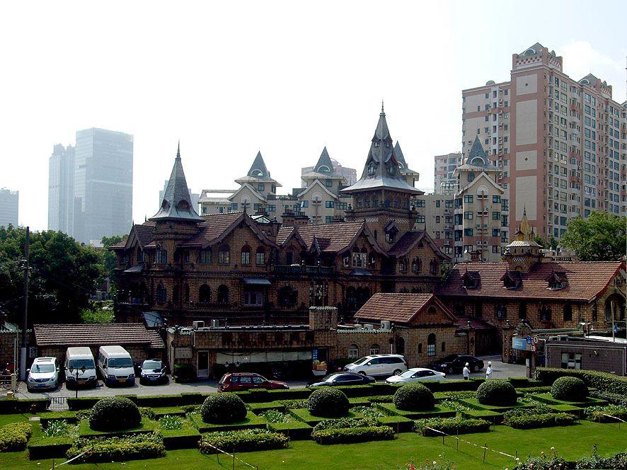 古都・上海で味わう古今東西・レトロでワンダーな建物巡り !!