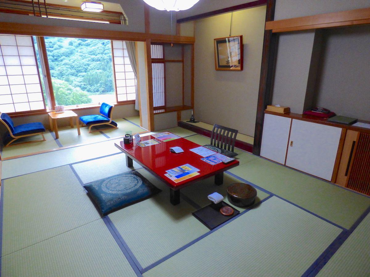和室中心の部屋は全てが10畳以上で気持ちもゆったり!