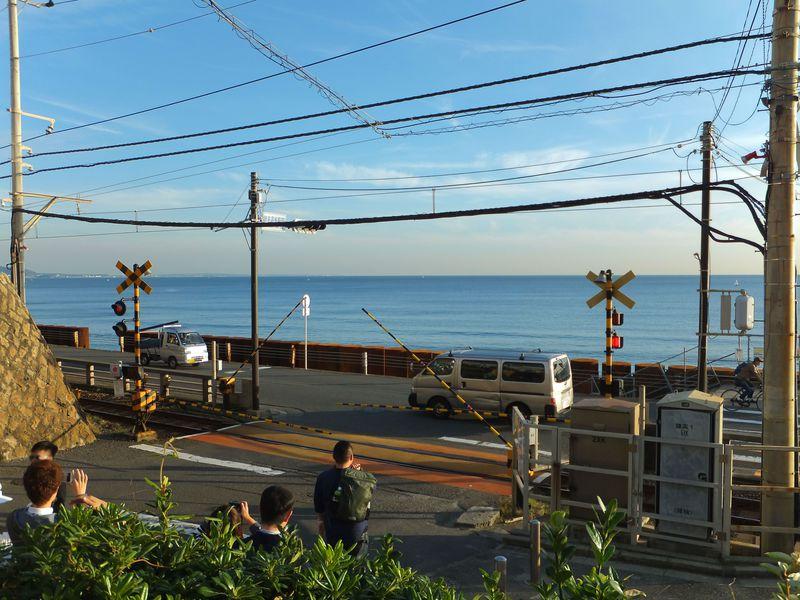 『スラムダンク』の聖地!江ノ電・鎌倉高校前踏切は台湾人に大人気の撮影スポット