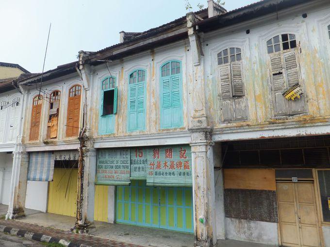 繁栄から衰退へ。時代に取り残された旧市街の街並み