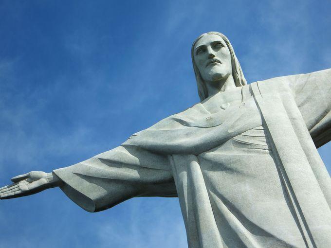 """大迫力のキリスト像は""""新・世界七不思議""""のひとつ"""