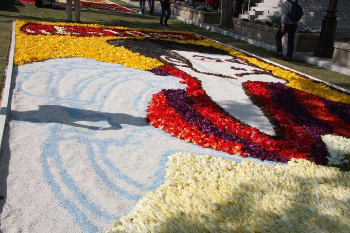 花絵の製作と花のリサイクル