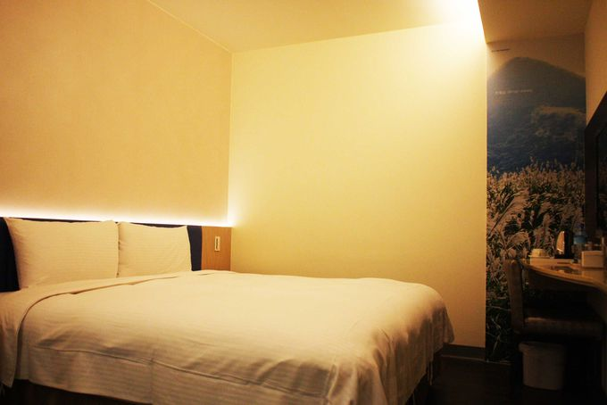 シンプルで清潔かつ、必要なものはすべてそろっている部屋