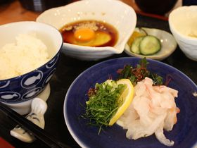 松山の「丸水」は宇和島鯛めしの元祖!豪華なたまごかけご飯に箸が止まらない!