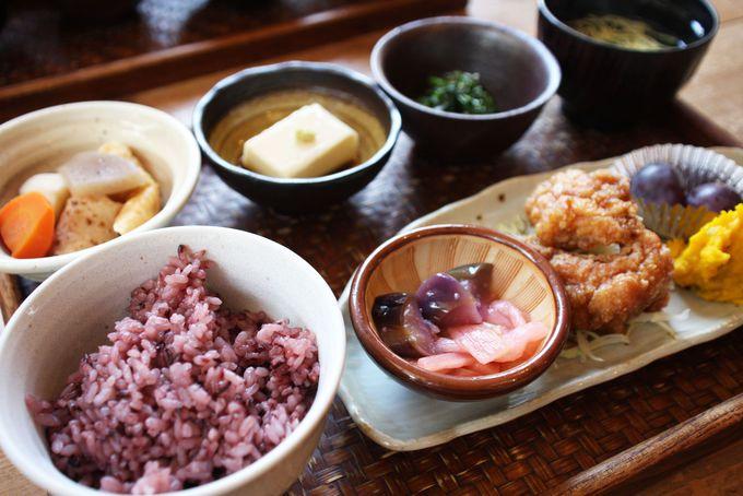 明日香村のおふくろの味!古代米御膳