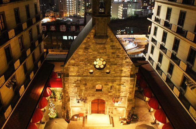 レトロな教会がホテルの中に!