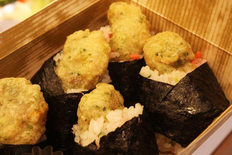 神戸牛入りにたこ焼き入りおむすびも!エキマルシェ新大阪のおむすびが斬新!