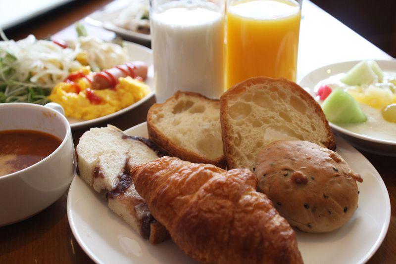 神戸で人気の老舗パンが食べ放題!神戸三宮東急REIホテル