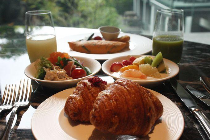 ピエール・エルメ・パリのクロワッサンで朝食を