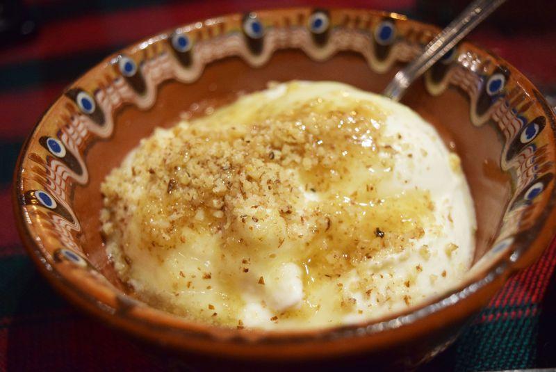 ブルガリアのヨーグルトは本当に美味しい?ヨーグルトの種類や料理を徹底解説!