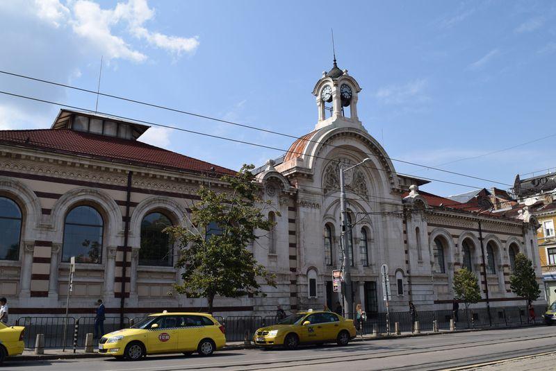 ショッピングも遺跡も食べ歩きも楽しめる!セントラル・ハリはブルガリアを凝縮したショッピングセンター