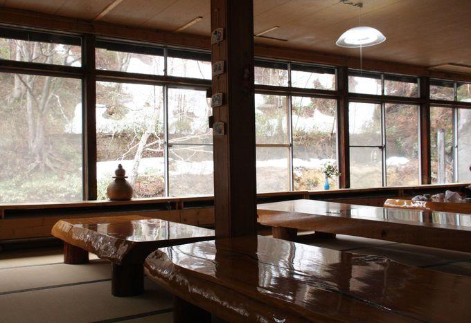 無料休憩室からも松川渓谷の絶景