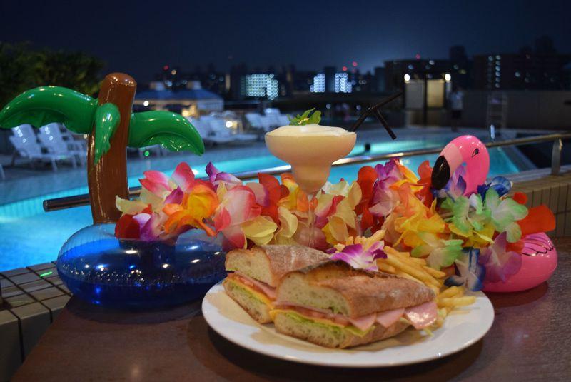 日焼けを気にせず泳ぎたい!ナイトプールでフォトジェニックな夜を!ハイアットリージェンシー大阪