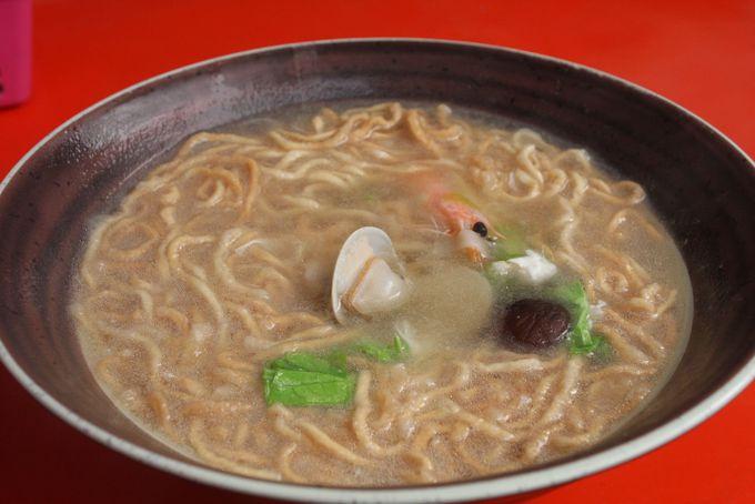 二大看板メニュー「鍋焼意麺」は〆に食べたい