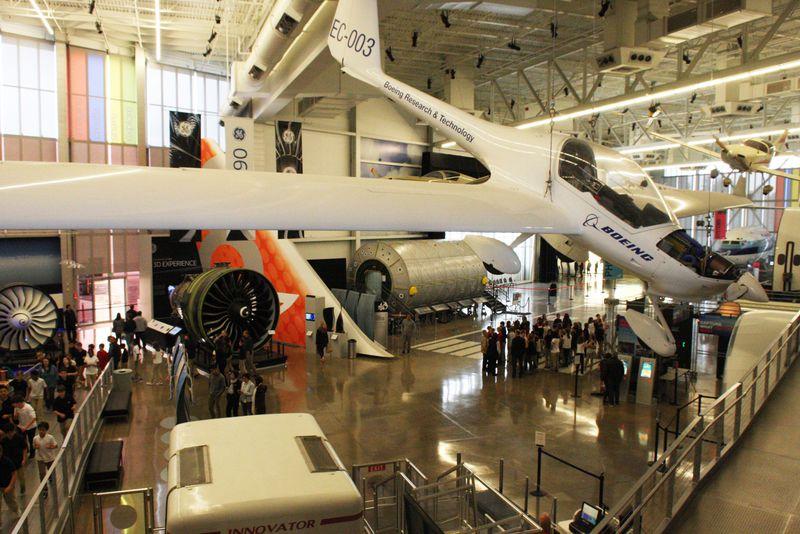 飛行機マニアが絶対行きたいシアトルボーイング社工場見学