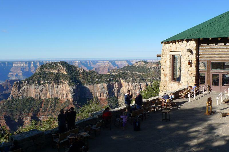 崖っぷちギリギリ!グランドキャニオンの絶景ホテル「ノースリム・ロッジ」から見える景色に驚愕!