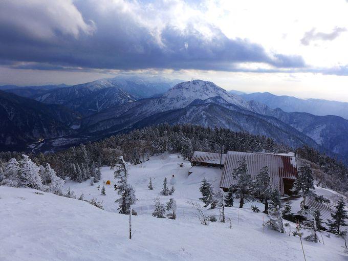片道2�q歩けば、アルプスの冬の絶景が目の前に!